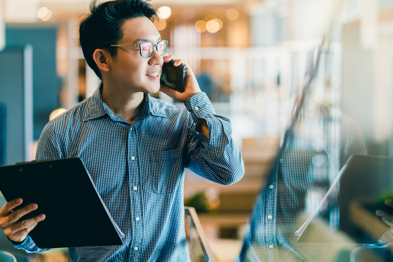 7 Tips Your Sales Reps Can Use to Master Cross-Selling and Upselling