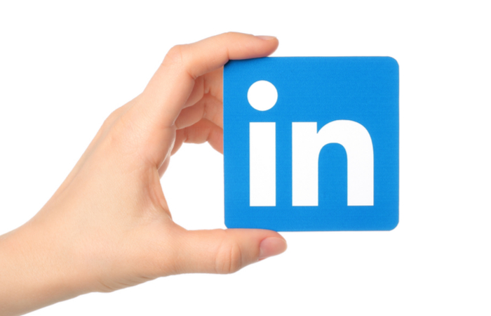 9 Basic LinkedIn Lead Generation Tips for Salespeople